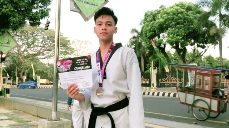 Mahasiswa UM Metro Raih Medali Perak Pertandingan Taekwondo Internasional