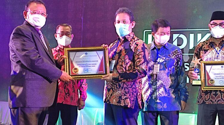 Penghargaan LLDIKTI 9 Awards 2021 Diraih Unismuh Makassar